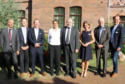 Der FEI-Vorsitzende sowie der Moderator und die Referenten der FEI-Jahrestagung: Prof. Dr. Herbert Schmidt, Dr. Götz Kröner, Prof. Dr. Markus Fischer, Prof. Dr. Heike P. Schuchmann, Prof. Dr. Dr. Peter Schieberle, Dr. Birgit Böhme, Prof. Dr. Helmut Dietri